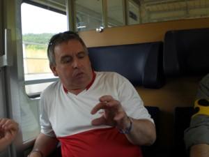Sehbehinderte und blinde Fans im Zug